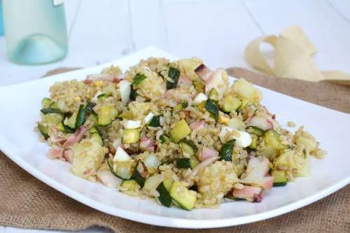 Insalate ricette Insalata di riso integrale con polpo