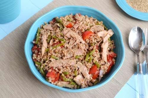 Insalate ricette Insalata di farro, fagiolini e tonno