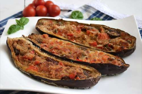 Ricette Vegetariane Melanzane a barchetta