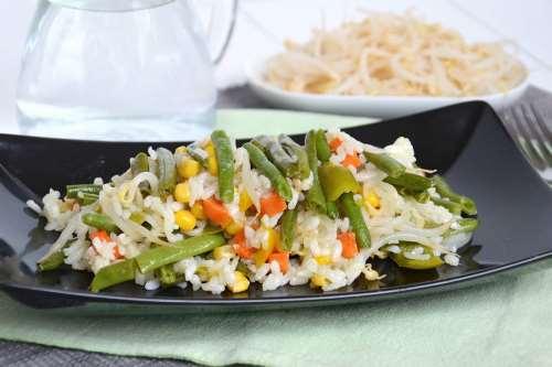 Ricette Insalate di riso Insalata di riso vegetariana