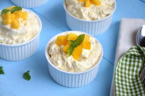 Ricette Dolci al cucchiaio Mousse di mango