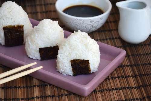 Ricette Antipasti sfiziosi Onigiri