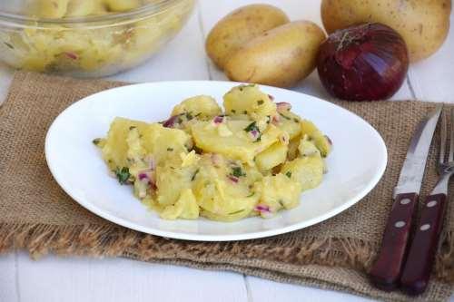 Insalate ricette Insalata di patate tedesca