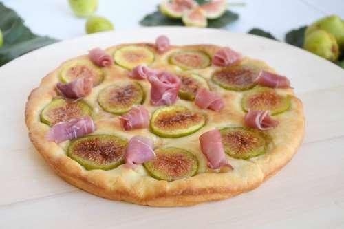 Ricette Pizze e Focacce Focaccia con fichi e prosciutto