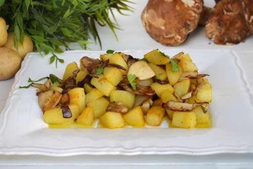 Contorni ricette Patate e funghi porcini