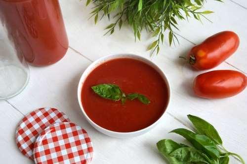 Salse e sughi ricette Passata di pomodoro fatta in casa