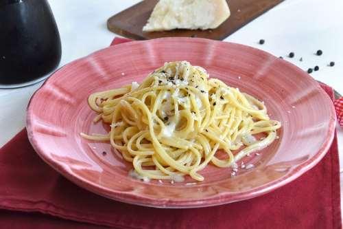 Ricette Pasta Pasta cacio e pepe