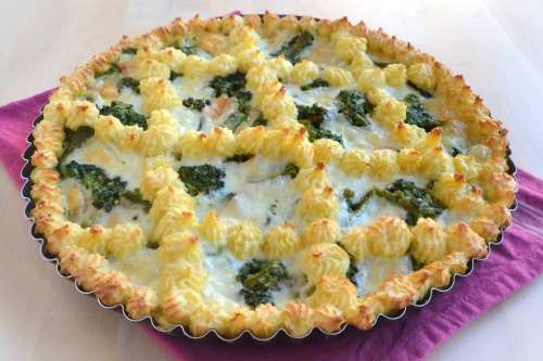 Crostata di patate con broccoli e provola
