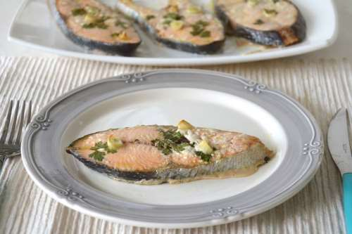 Secondi piatti ricette Salmone al forno