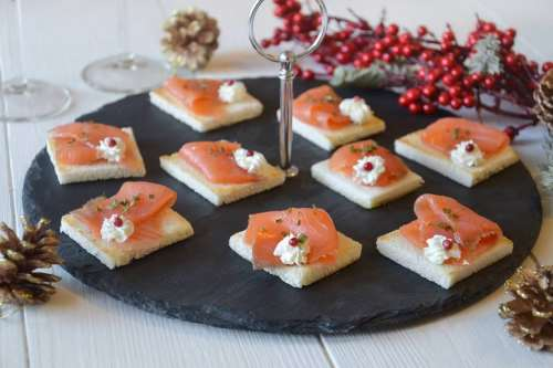 Ricette Finger food Tartine al salmone