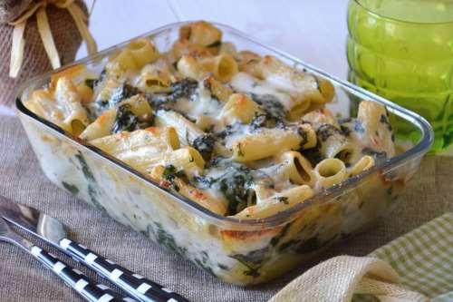 Vegetariane ricette Rigatoni spinaci e noci