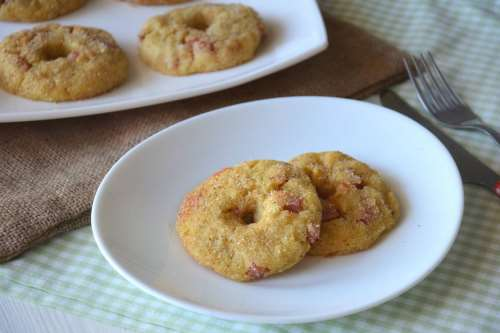Secondi piatti ricette Ciambelle di patate