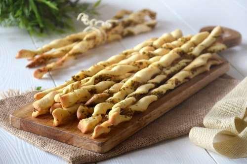 Antipasti ricette Grissini alle olive