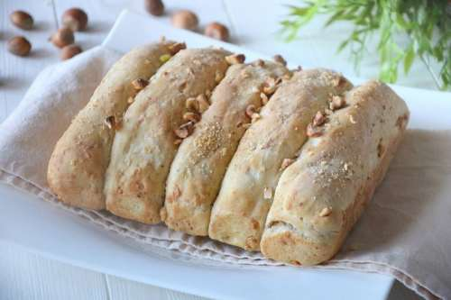 Ricette Pane e Brioches Pane alle nocciole