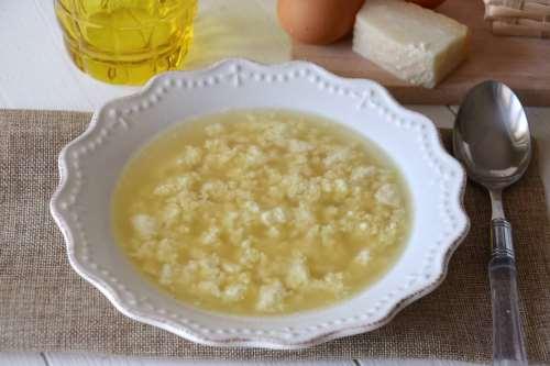 Minestre e zuppe ricette Stracciatella in brodo