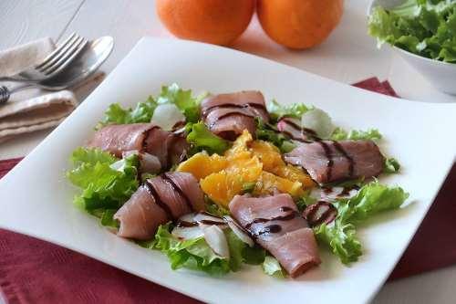 Ricette Insalate Insalata con tonno e arancia