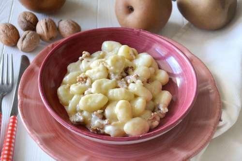 gnocchi ricette Gnocchi con pere e noci