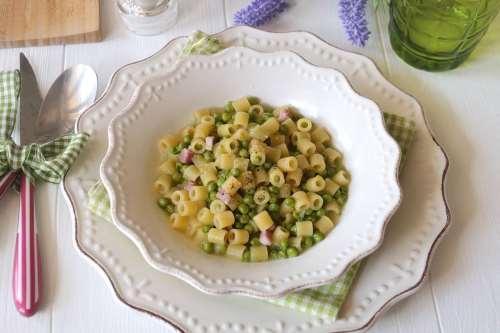 Minestre e zuppe ricette Pasta e piselli