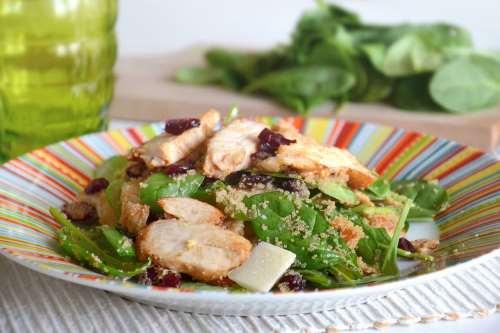 Secondi piatti ricette Insalata di pollo e amaranto