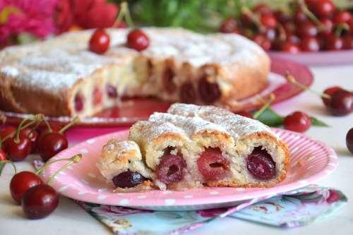 dal mondo ricette Torta di ciliegie russa
