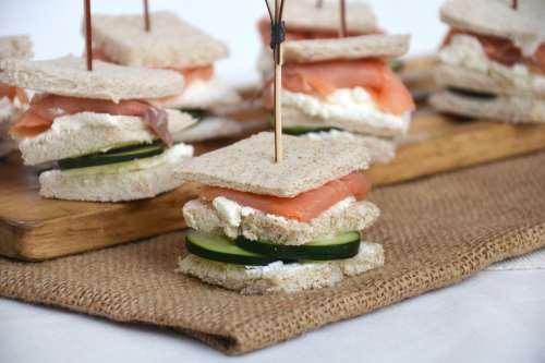 Ricette Finger food Tramezzini al salmone