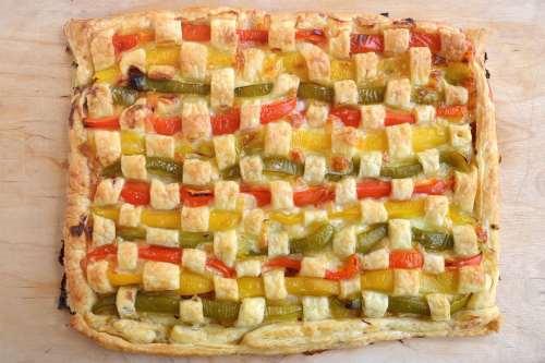 Rustici ricette Crostata di peperoni intrecciata