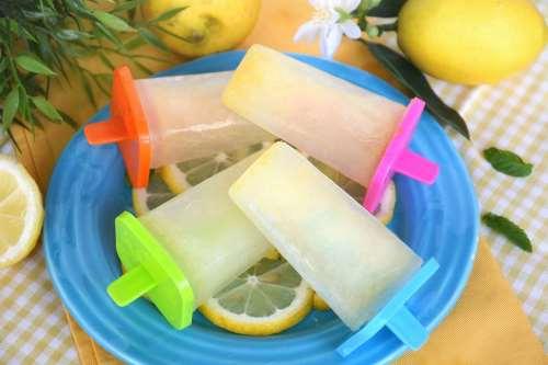 light ricette Ghiaccioli al limone