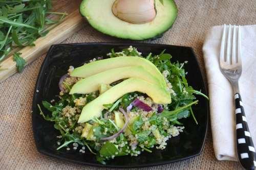 Ricette Primi piatti sfiziosi Insalata con avocado