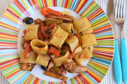 Ricette Primi di pesce Pasta peperoni e tonno