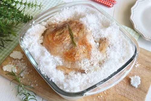 Secondi piatti ricette Pollo al sale