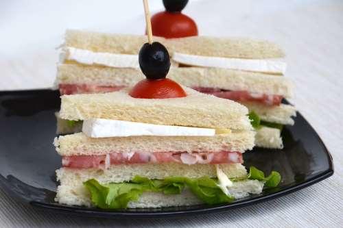 Finger food ricette Tramezzino al salame