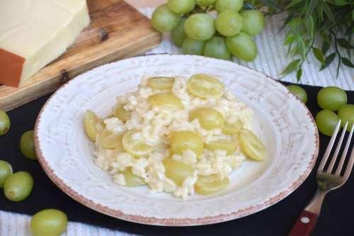 Risotto con uva e fontina