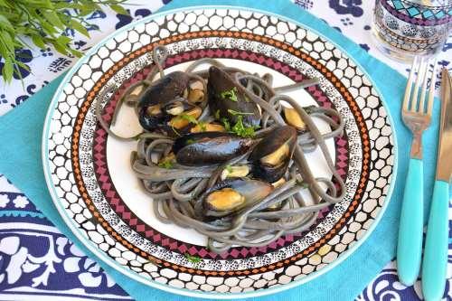 Ricette  Spaghetti con le cozze in bianco