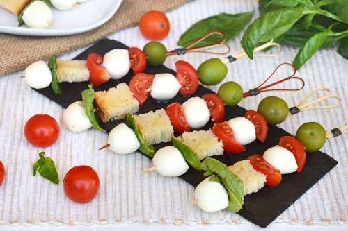 Ricette Vegetariane Spiedini di mozzarella