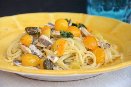 Pesce azzurro ricette Pasta con le alici