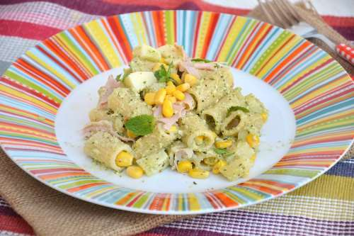 ricette Pasta fredda con zucchine