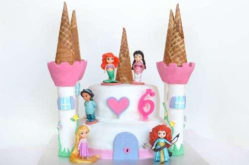 Ricette Torte di compleanno Torta castello delle principesse