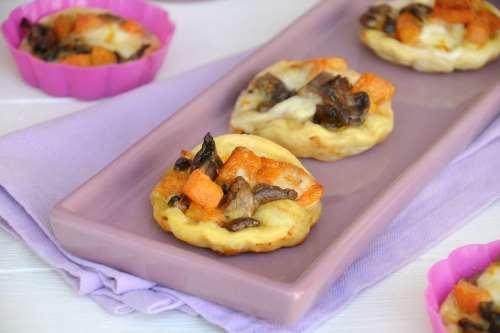 Ricette  Tartellette con zucca e funghi