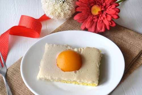 Ricette Torte Spiegeleierkuchen (Torta uova al tegamino)