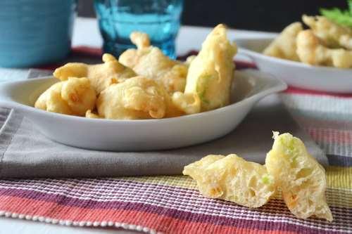 Antipasti napoletani ricette Frittelle di fiori di zucca