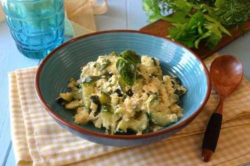 napoletane ricette Minestra di zucchine cacio e uova