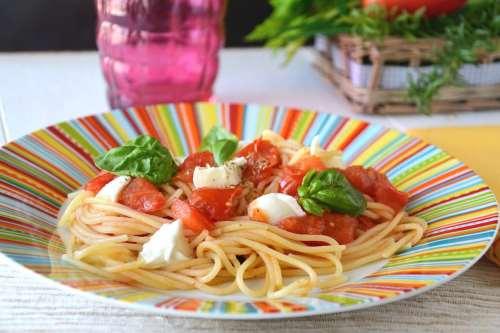 napoletane ricette Spaghetti alla caprese
