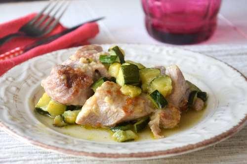 Ricette Secondi piatti Tacchino con zucchine