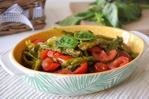 Ricette Contorni napoletani Peperoncini verdi fritti al pomodoro