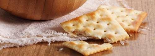 Come riutilizzare i crackers ed i grissini sbriciolati
